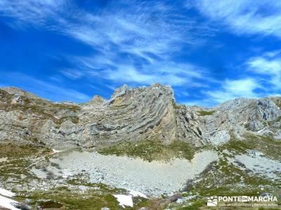 Montaña Leonesa Babia;Viaje senderismo puente; rutas senderismo invierno grupos senderismo madrid g